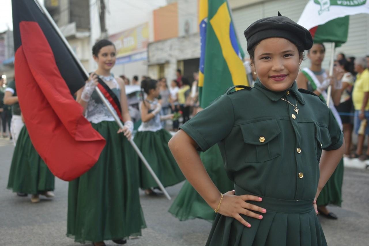 LEO5802 - No dia da Independência do Brasil, Santa Rita realiza desfile cívico