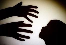 Idoso é preso por estuprar e engravidar neta de 12 anos