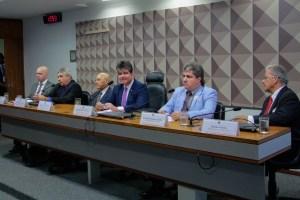 WhatsApp Image 2019 09 11 at 19.24.47 300x200 - Deputados e ex-ministro da Saúde elogiam trabalho de Ruy Carneiro no comando da comissão do Médicos pelo Brasil