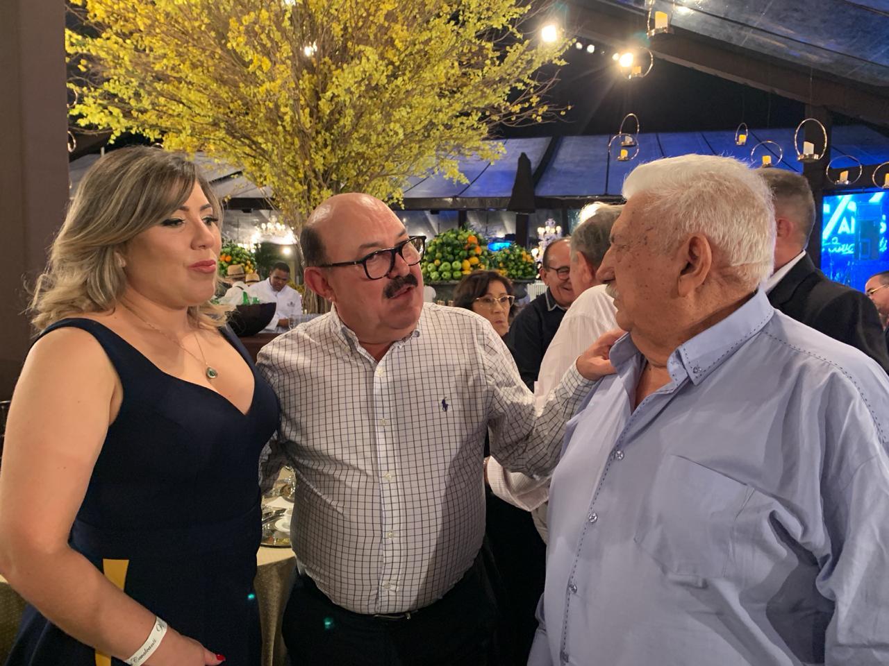 WhatsApp Image 2019 09 22 at 10.04.43 1 - Políticos e empresários comemoram os 90 anos de Zé Cavalcanti, em Cajazeiras - VEJA FOTOS E VÍDEOS