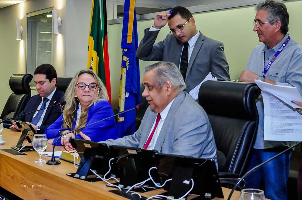 alpb1709a - Projeto de Edmílson Soares proíbe cobrança de taxa extra em hospitais por uso de TV e ar-condicionado