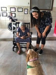 aniamis 225x300 - Animais domésticos auxiliam terapia de idosos na Vila Vicentina, em João Pessoa
