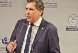 VÍDEO: na tribuna da ALPB, Ricardo Barbosa apresenta imagens e desmascara declarações ácidas de Ricardo Coutinho