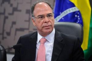 brasil senador fernando bezerra coelho 20170419 001 300x200 - Senado questionará no Supremo ação da PF no gabinete de líder do governo, diz Alcolumbre