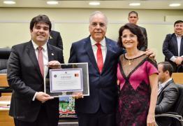 Sessão Especial celebra Dia do Administrador e concede título de cidadão paraibano a Geraldo Rosas