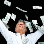 homem jogando dinheiro para o ar riqueza ostentacao 1350076016828 956x500 - Homem saca dinheiro em caixa eletrônico e distribui na rua