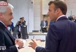 Macron é flagrado comentando conduta de Bolsonaro sobre vídeo cortando o cabelo: 'Não é atitude de presidente' – VEJA VÍDEO