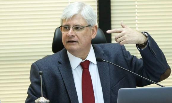 janot Marcelo Camargo Agencia Brasil e1504713873620 - PF acha e recolhe arma de Janot em busca e apreensão determinada pelo STF e, aplica medida cautelar contra o ex Procurador - VEJA DOCUMENTO