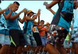 Deputada quer proibir 'passinho' e outras danças em escolas