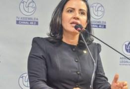 Pollyana Dutra sai em defesa e Rosas, se acosta a João Azevêdo e sentencia: 'A mim não interessa estar numa confusão dessas'