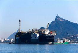 Produção de petróleo e gás natural aumenta em julho