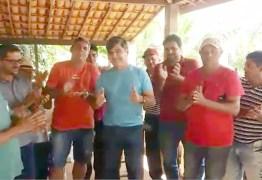 Wellington Roberto consegue emenda para calçamento de estrada rural em Pilõezinhos