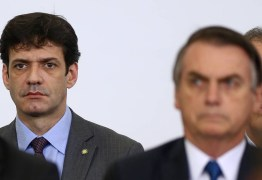 Depoimento de ex-assessor e planilha revelam possível caixa dois de Bolsonaro