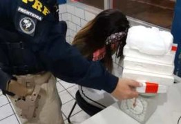 Professora de educação infantil é presa com 5kg de cocaína, em Mamanguape
