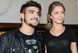 Caio Castro desconversa sobre affair com Grazi e fala que está solteiro