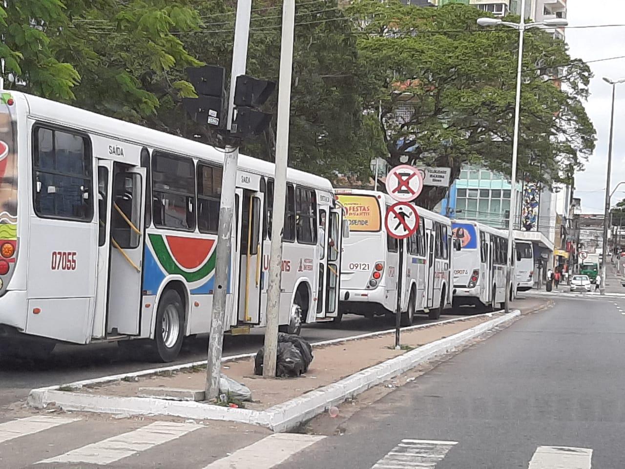 6cd5617d 8712 44dd a219 5268c4c2e855 - VEÍCULOS PARADOS: Motoristas de transportes coletivos paralisam atividades e ocupam Parque da Lagoa