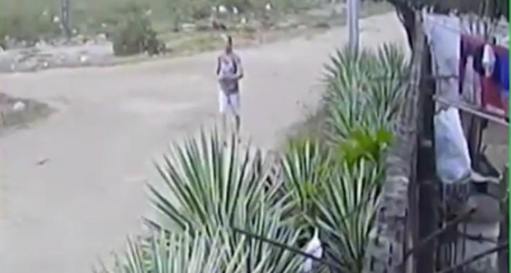Capturar 13 - Mulher que jogou gato para ser morto por pitbull em João Pessoa é identificada - VEJA VÍDEO