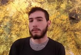 Após ameaçar suicídio, filho de apresentador global fala sobre rejeição do pai