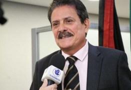 """Tião Gomes comemora conquista de regularização de terrenos para moradores de Areia: """"Há anos vínhamos lutando por isso"""""""