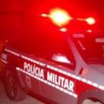 VIATURA 19 08 - REVOLTA: População danifica viatura da Polícia Militar após prisão de homem em Cabedelo