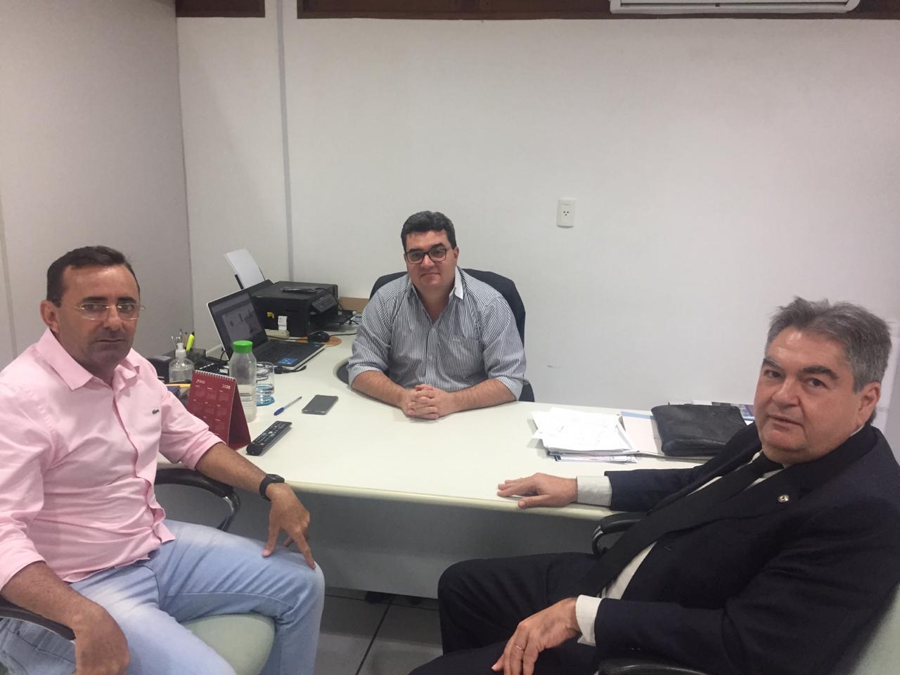 WhatsApp Image 2019 10 02 at 17.10.27 - Tarifa Verde: Lindolfo Pires articula ida da Sudema  e da Aesa a Sousa para regularizar licenças dos produtores rurais da região