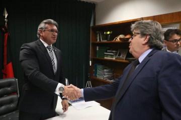 WhatsApp Image 2019 10 23 at 19.21.45 - 'FOCO NOS INTERESSES DA PARAÍBA': Julian Lemos avalia como 'muito produtivo' encontro com João Azevêdo em Brasília