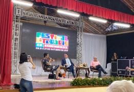 FESTIVAL LITERÁRIO: em Bananeiras, Jorge Caldeira critica 'atraso e reacionarismo' do governo Bolsonaro; VEJA VÍDEO