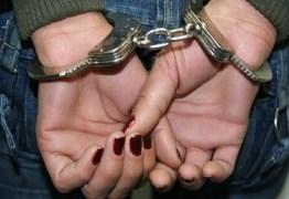 Duas mulheres são presas suspeitas de exploração sexual de criança, em João Pessoa