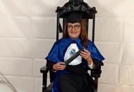 Idosa de 64 anos realiza sonho de se formar em Teatro, na Paraíba: 'É necessário lutar'