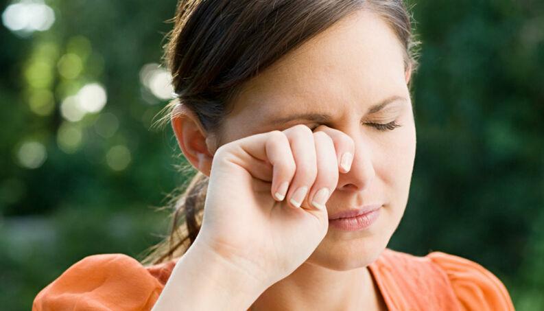cocar os olhos habito ruim 0517 1400x800 - Coçar os olhos provoca prejuízos à visão e pode causar cegueira
