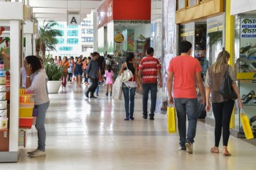 compras natal dsc 0295 - Oferta de vagas no comércio para o Natal será a maior em seis anos