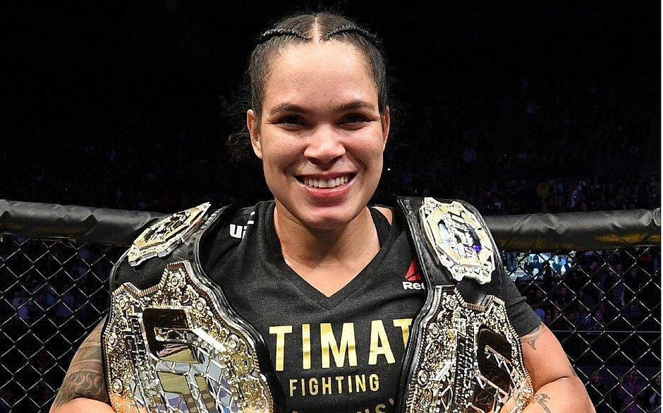 Amanda Nunes: 'Sou a maior do UFC e ninguém vai tirar meus cinturões'