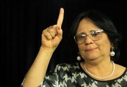 PROJETO A FAVOR DA ÉTICA E DA RELIGIÃO: Damares anuncia canal oficial para denunciar professores contrários aos 'valores da família'