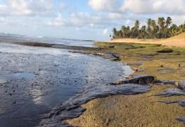 Justiça federal decide a favor do governo em ação para conter vazamento de óleo nas praias do Nordeste
