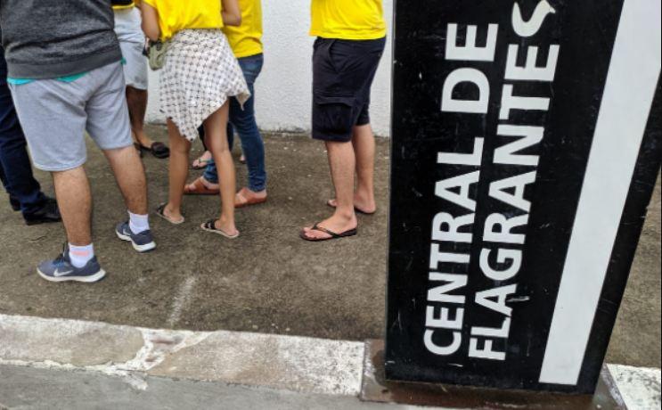 estudantes arrastão recife - Grupo de estudantes é vítima de arrastão antes de embarcar para Recife