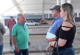 Zé Aldemir acompanha vistoria na estrutura da Cajazeiras Expo Negócios