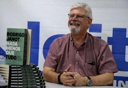 Com segurança reforçada, Janot faz lançamento de livro em Brasília