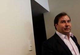Maia se diz favorável à privatização da Eletrobras e Correios