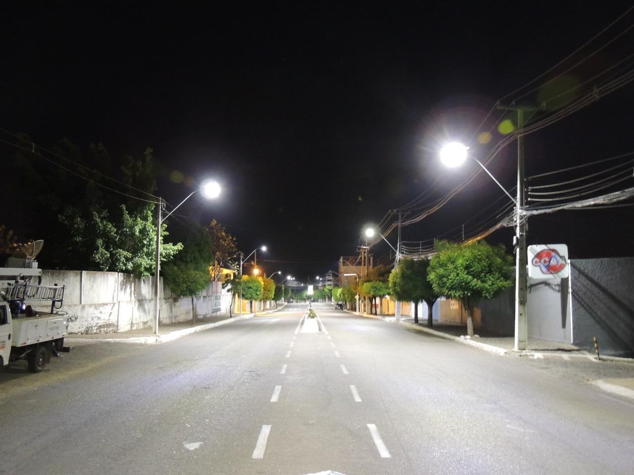 0daeff94 2174 46be 9426 fd80a2540fc1 - População de Monteiro, Congo e Cajazeiras é beneficiada com renovação da iluminação pública