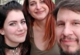 Mulher viaja mais de 800 km para perder a virgindade com casal