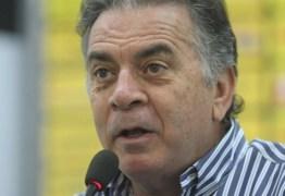 Árbitro relata ofensas de dirigente do Flamengo: 'Enfia o escudo da Fifa no c…'