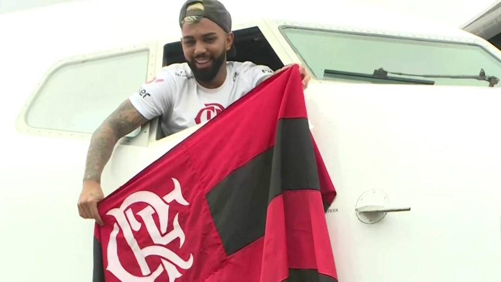 24fla07 1024x576 - Flamengo comemora título com torcida pelas ruas do Rio de Janeiro - ASSISTA!