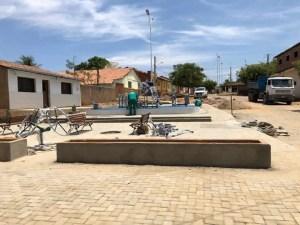74533933 2496496457297825 5888317742393589760 n Bom Jesus 300x225 - Prefeitura de São José de Piranhas finaliza praça, implanta academia da saúde e segue calçando todo o distrito de Bom Jesus
