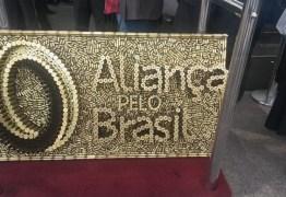 'ALIANÇA PELO BRASIL': Deputado encomenda obra de cartuchos de bala para lançamento de partido do Bolsonaro