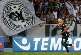 Botafogo bate Corinthians e respira no Campeonato Brasileiro