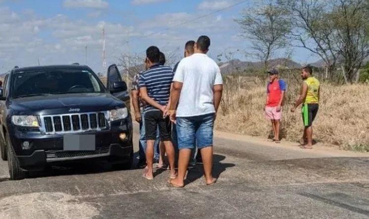 Capturar 26 - Ex-prefeito é assassinado a tiros nas proximidades do Vale do Piancó