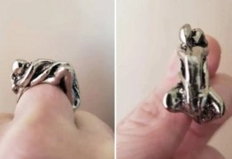 Jovem se choca ao notar o que anel 'abstrato' da avó tem um casal transando