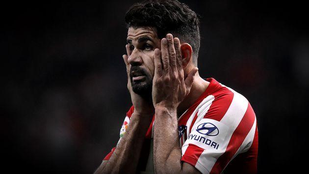 Diego Costa lamentando Atletico de Madrid 720 Reuters - Diego Costa é operado com sucesso, mas só deve voltar aos gramados em 2020