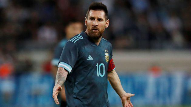 """Messi foi destaque em empate da Argentina Reuters 1280 - Messi responde 'convite' de Cavani para briga: """"Quando quiser"""""""