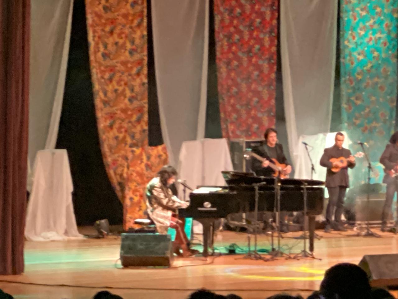 WhatsApp Image 2019 11 22 at 21.29.13 - Show de Benito Di Paula reúne 2 mil pessoas no Teatro a Pedra do Reino: cantor chama criança e fã com parkinson para cantar - VEJA VÍDEOS